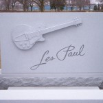 Les Paul Monument_1